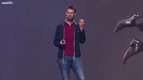 Оливер Хьюз в Олимпийском на amoCRM  - «Видео - Тинькофф Банка»