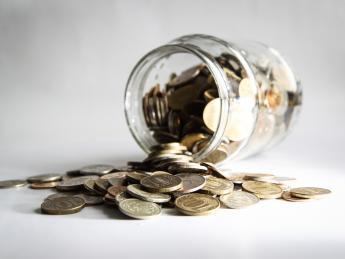 Вслед за Сбербанком процент по потребительским займам снизят шесть банков - «Финансы»