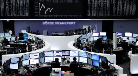 Неделя на ведущих фондовых рынках Европы началась с падения - «Финансы»