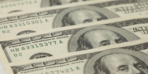Доллар США упал ниже 64 рублей, а индекс РТС обновил годовой максимум - «Финансы»