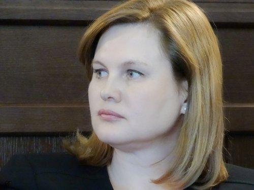 Банкиры раскрывают карты. Наталья Воронкова о том, как копить мили и воспитывать финансовую грамотность в детях - «Интервью»