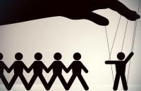 Недремлющее око: банки обяжут следить за операциями клиентов круглосуточно - «Финансы»