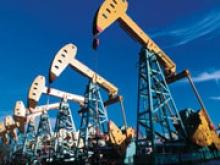 Стоимость нефти продолжает рост накануне выхода статистики по запасам в США - «Новости Банков»
