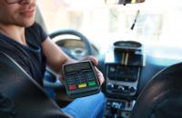 Карточные фокусы таксистов: как не попасть на деньги при оплате такси банковским пластиком - «Финансы»