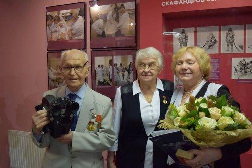 Промсвязьбанк подарил музею кинокамеру, запечатлевшую прилет Юрия Гагарина 12 апреля 1961 года - «Пресс-релизы»