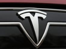 Tesla обновил антиугонный режим скорости авто - «Новости Банков»