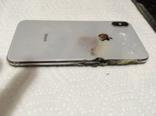 iPhone XS Max загорелся в кармане у американца - «Новости Банков»