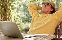 Пенсия без права перевода: поможет ли будущему пенсионеру сайт госуслуг - «Финансы»