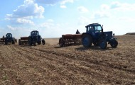 На посевные работы выделено 380 тысяч тонн дизтоплива - «Экономика»