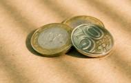 Нацвалюта к доллару подешевела почти на 2 тенге - «Финансы»