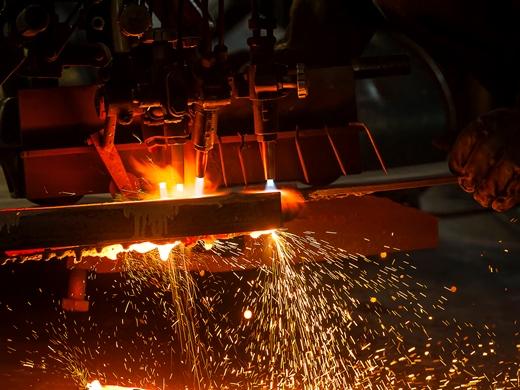 ВТБ финансирует крупнейшего производителя алюминия в Таджикистане - «ВТБ24»