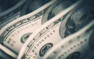 За сутки доллар укрепился на 0,5% - «Финансы»