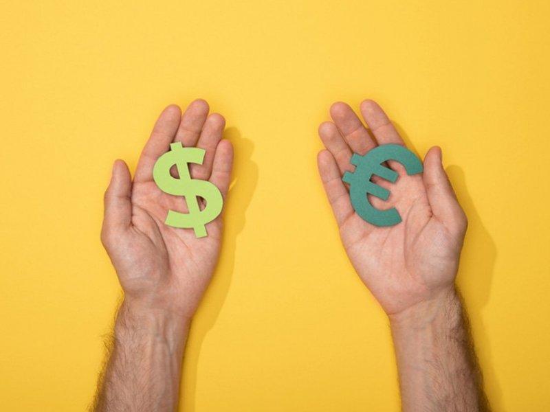 Валюту лучше всего менять на бирже? Не всегда - «Тема дня»